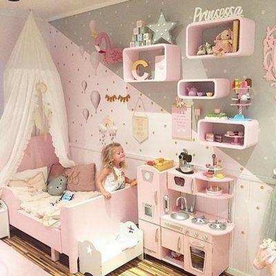 Çocuk odası duvar boyası ve dekorasyonu konusunda dikkat edilmesi gereken önemli noktaları,yaratıcılıklarını, geliştirebilecekleri örnekler bu yazımızda.