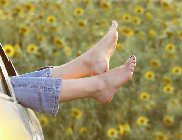 DIY Cracked Heels Remedies ~ Listerine Feet Remedy