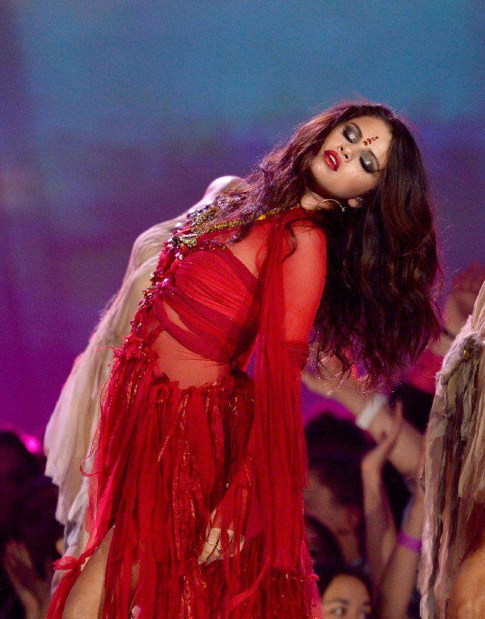 Pictures & Photos of Selena Gomez - IMDb