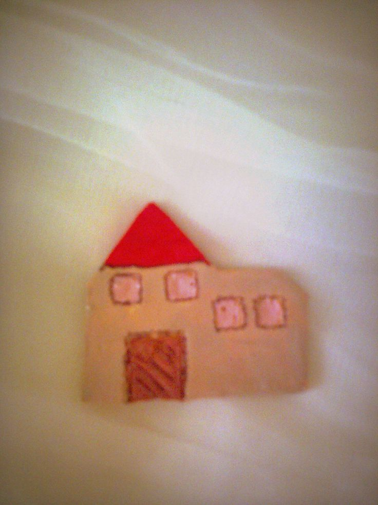 Happy home, pin made of clay and acrylic paint