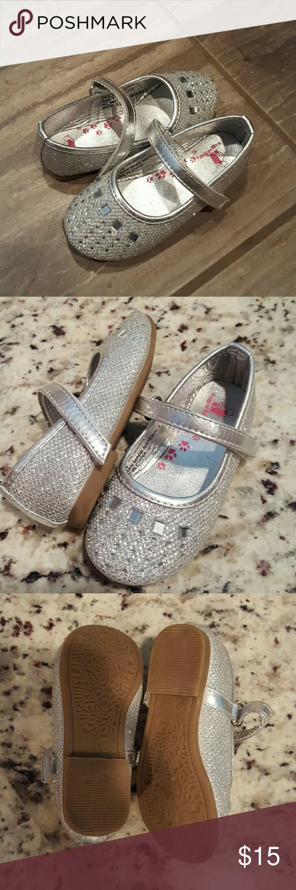 ❤Baby Girl Dress Shoes, sz. 6! Like New! Sparkly silver baby girl dress shoes with rhinestones and little jewels on the top! Shoes have a long  adjustable velcro strap! Precious w/any dress...check out the rest of our closet to bundle and have only one shipping! 😄 Rugged Bear Shoes Dress Shoes