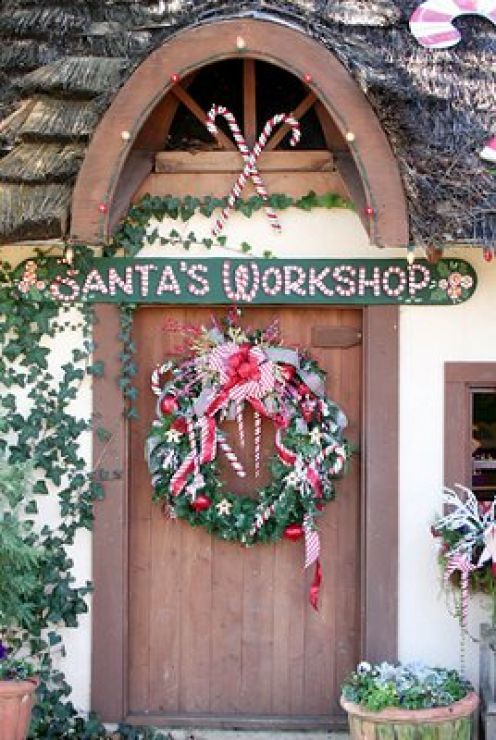 Santa's workshop, want to do this  to my door next year:)