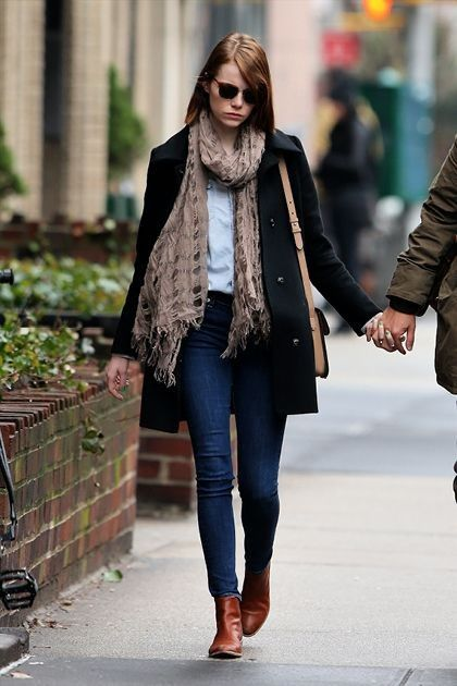 Emma Stone... - Celebrity Street Style
