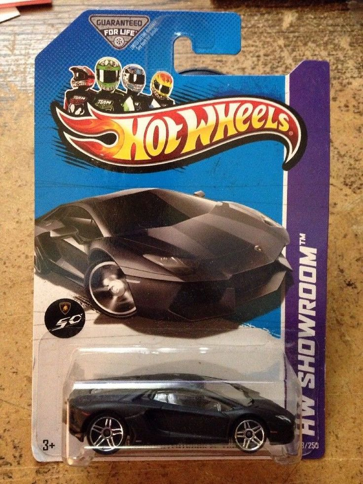HOT WHEELS 2013 LAMBORGHINI AVENTADOR LP 700-4 Black HW Showroom 2012 #HOTWHEELS #Lamborghini