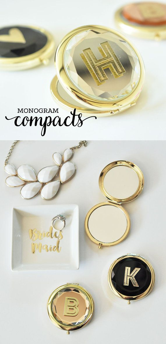 Personalized Maid Of Honor MIrror Compacts Make Unique Gifts For Your Sister Or Bridesmaids In Wedding Party Each Mirror Comes With A Custom