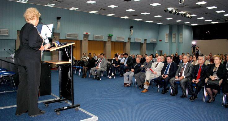 Vineri, 17 octombrie, in sala Titulescu a Centrului Expozitional ROMEXPO, inventiile romanesti au fost premiate in cadrul Inventika 2014 – Salon de inventii si inovatii.