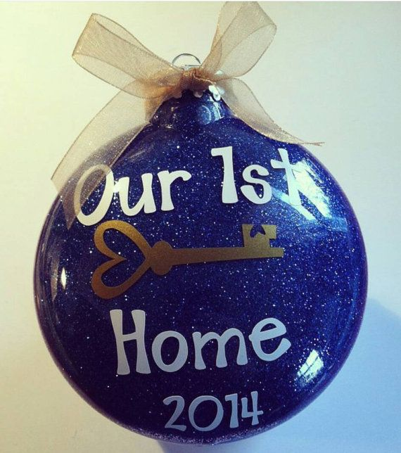 Our 1st home ornament is the perfect gift for new homeowners! Makes a great housewarming gift or keepsake for yourself! We Love A Partys First Home ornament is hand glittered on the inside with the color of your choice (so there is no shedding), vinyl lettering is placed on the outside and finished off with a coordinating bow. Ornament can be personalized on the back with the name and date. (Please choose personalization from the drop down menu)  The purchase of this listing is for one…