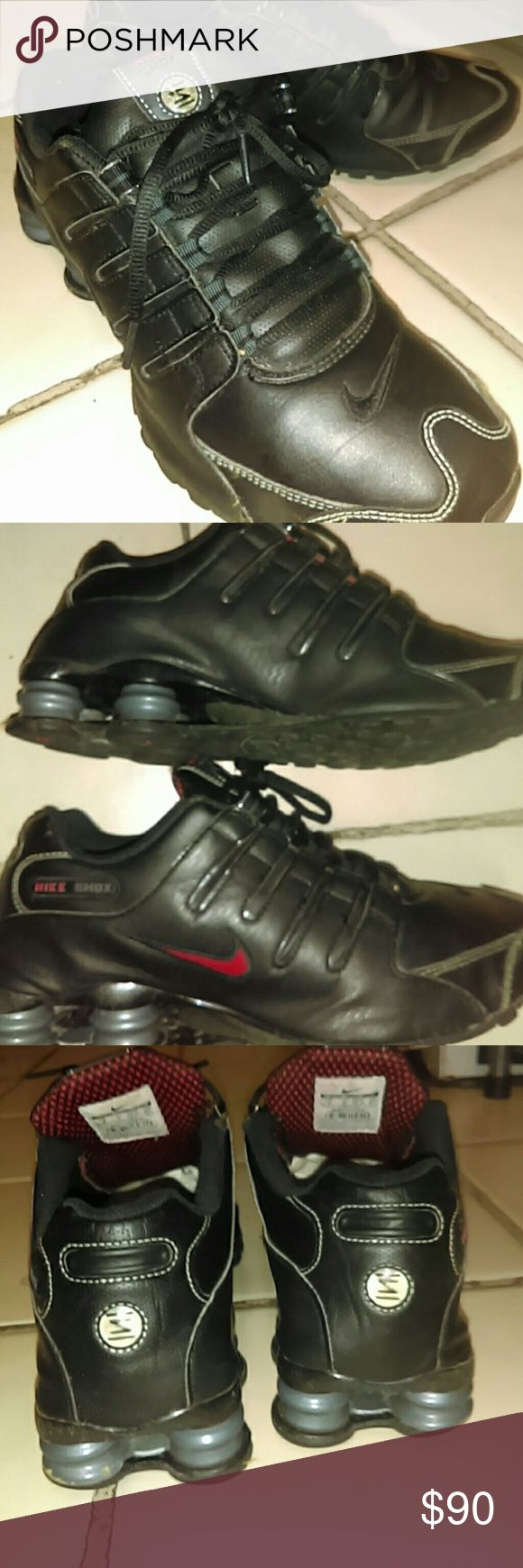 "MEN'S size 9 ""NIKE SHOX"" black with red decal AUTHENTIC ""NIKE"" BRAND! Meticulously cared for and in GREAT CONDITION. Minimal ware that is completely unnoticed and the  original insoles are missing. Sublimental insoles will be provided.I absolutely love these shoes and anyone who tries them on will be a life - time fan as well. This is a deal that doesn't come back around often so don't hesitate because you are guaranteed to regret it. NO REASONABLE OFFER REFUSED! BUNDLE AND SAVE 30%! THANK…"