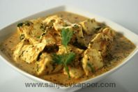 How to make Lehsuni Dhania Paneer-Cottage cheese cooked with coriander and garlic.