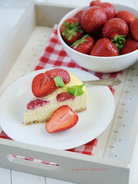 Sernik waniliowy z truskawkami i białą czekoladą - Vanilla strawberry and white chocolate cheesecake (recipe in Polish)