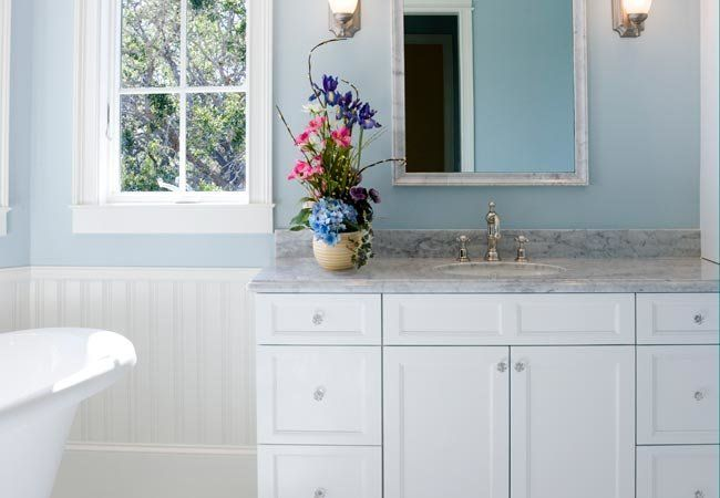 How To Paint Bathroom Cabinets Painting Bathroom Cabinets Bathroom Cabinets Bathroom Makeover