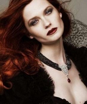 Bonnie Wright (Ginny).