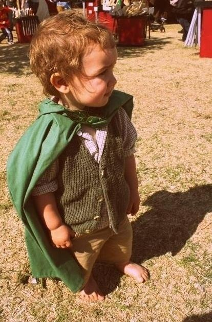 When I have a son this is what his costume will be one year. I will pass on my love/obsession of lord of the rings to my children ... Oh @Verónica Sartori Stadig