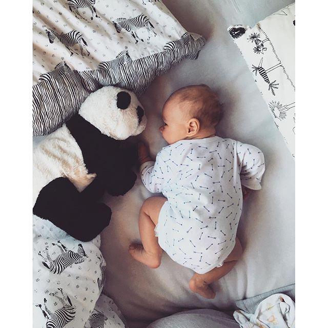 Hi bear#loveofmylife #MondayMorning #newborn #9weeksold #cutie #baby #babyboy #panda #babypanda #mummy #son #child #motherhood