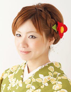 バックにボリュームを出してアップ風アレンジ☆春の両家顔合わせ・結納におすすめの髪型一覧♡