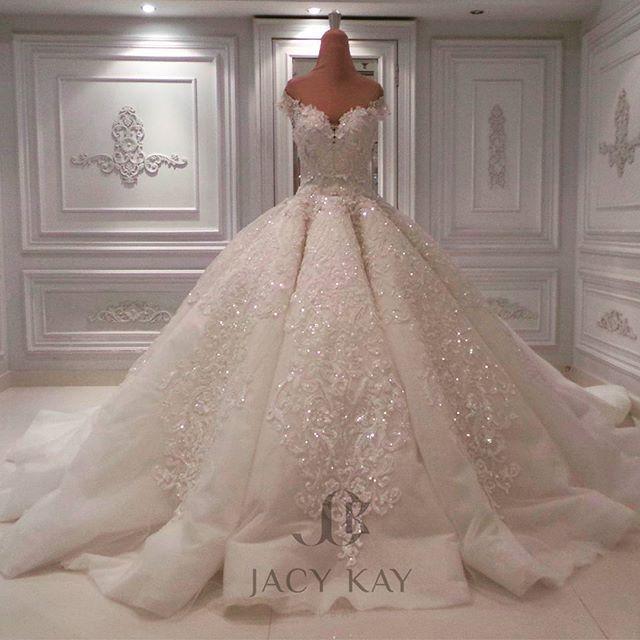 Beautiful wedding dress. ❣Julianne McPeters❣ no pin limits