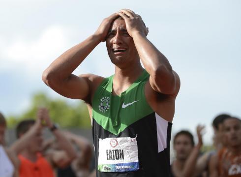 Ashton Eaton breaks world record in decathlon; this man is amazing!: Field, This Man, Amazing, Eaton Breaks, Emotions, World Records