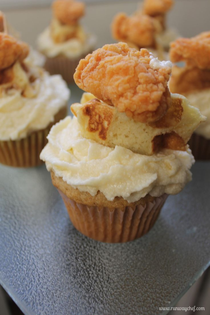 Chicken 'N Waffles Cupcakes | Excuse me?! There are certain glorious things that exist through God's grace. This is one of them. I must make this recipe.