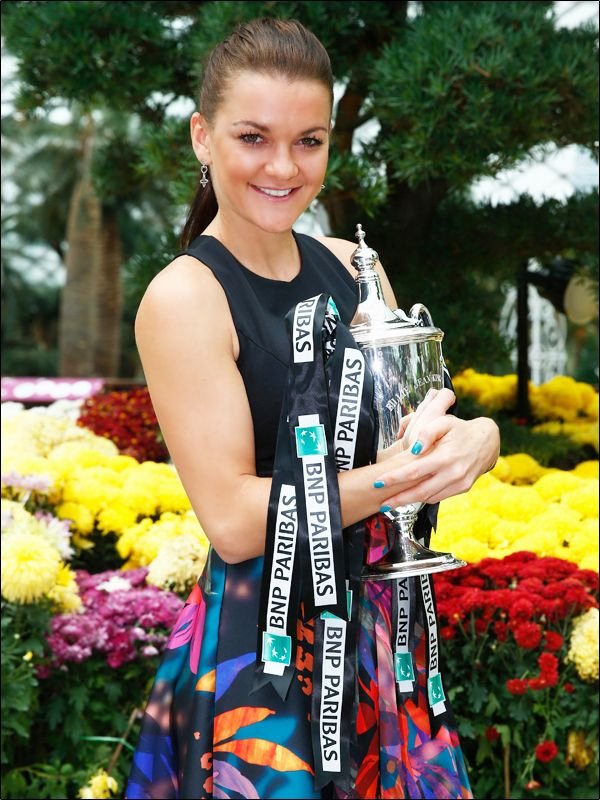 11/27/15 Via WTA: The Top 10 Most Popular Players Of 2015: #4 on the list - Agnieszka Radwanska. The four-time WTA Fan Favorite Of The Year winner revived her game in the fall, winning three titles - including the WTA Finals - and she's one spot higher than her year-end ranking here (No.5 to No.4).