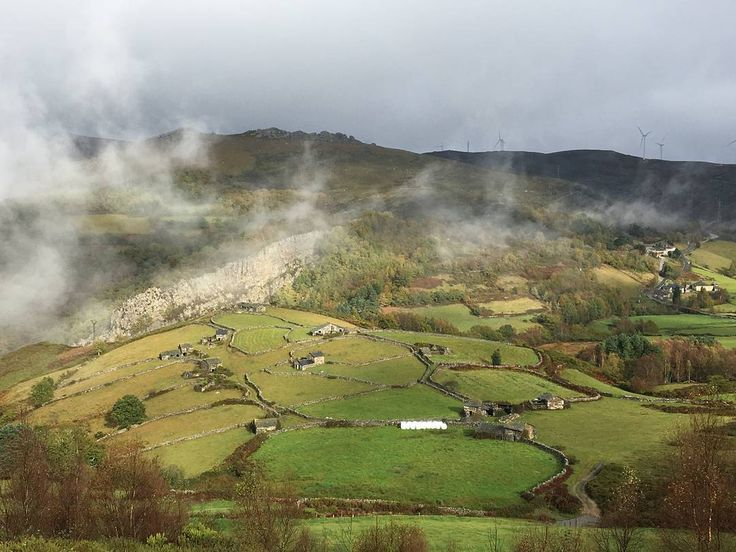 Braña de El Campel ¡Preciosa, aún en días de lluvia! #Allande #Asturias #España #Spain #VisitSpain #VisitAsturias #VuelvealParaíso #naturaleza #nature #etnografía