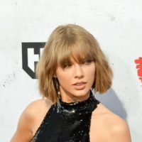 Dear Taylor Swift: No one can make you do anything! Signed, a mom
