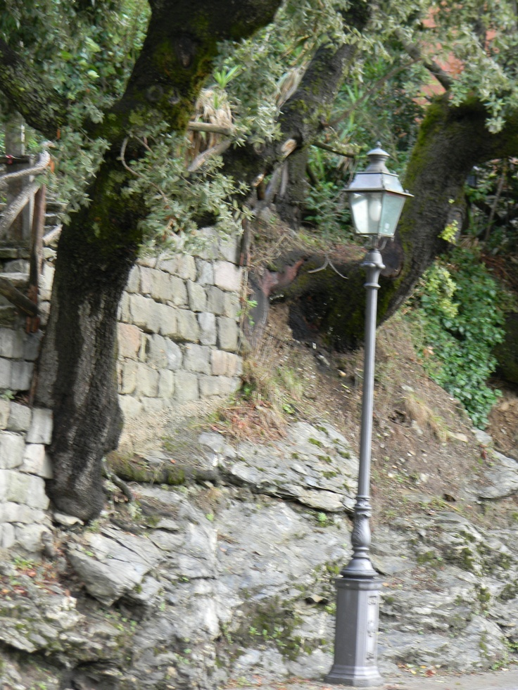Old street lamps in Seui