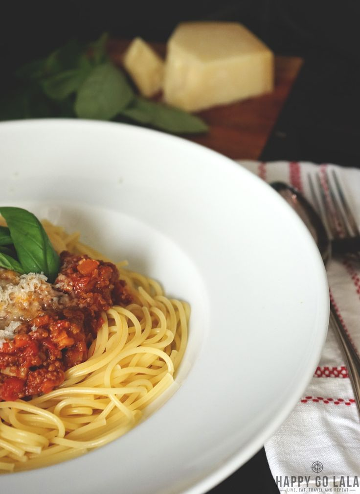Recipe for super yummy six-hour-bolognese