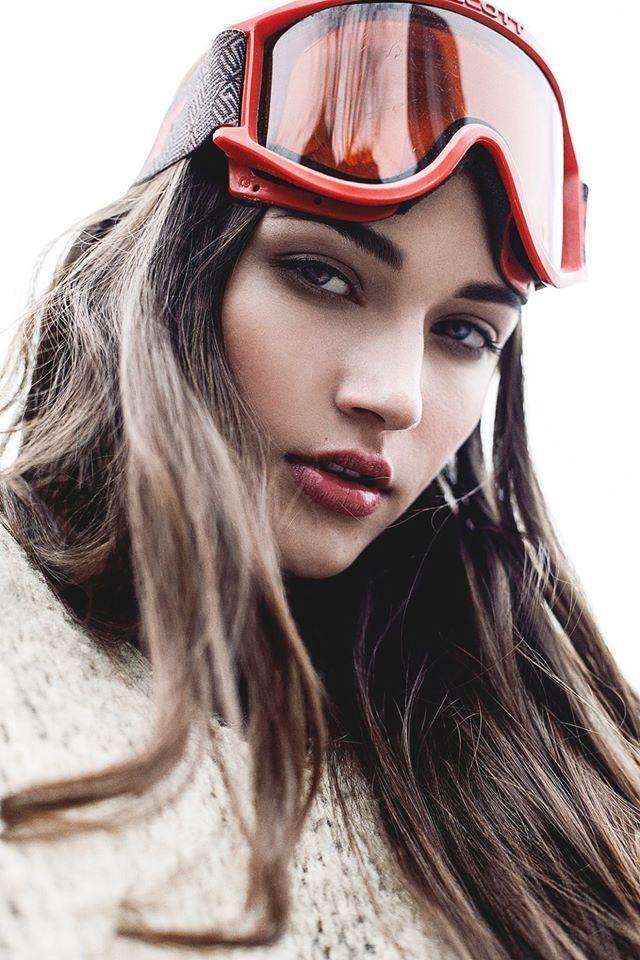 HoMa in the pm -  Modèle Karina Savoie @ Montage  Maquilleuse JoHanne Doyon  Stylisme Sophie Lanza  Photographe Dariane Sanche #Girl #Model #Fashion #Editorial #DSsanchez