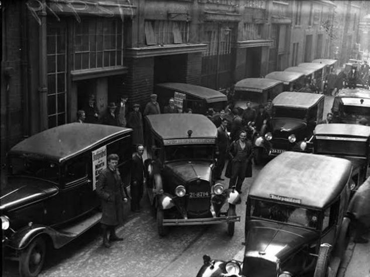 Princess Street Dublin City Ireland in 1935 - (Side of General Post Office (GPO) off O'Connell Street).