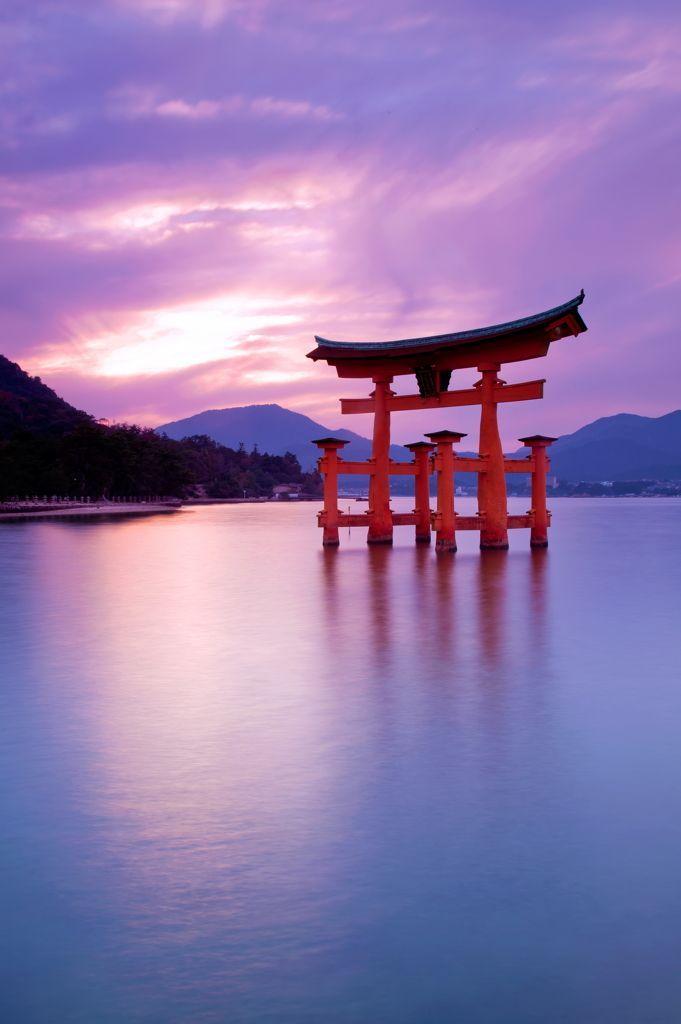 Torii gate of Itsukushima shrine, Hiroshima, Japan 厳島神社
