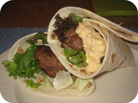Η τορτίγια ( tortilla) είναι η βάση πολλών πιάτων μεξικάνικων και όχι μόνο και θυμίζει σε μεγάλο βαθμό εμφανισιακά τουλάχιστον τις κρέπες . Αποτελείται από πολύ απλά υλικά και η παραδοσιακή μεξικάν…