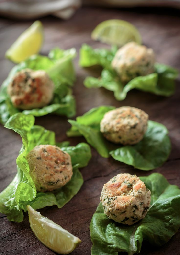 Thai Chicken Bites Savoury January 23, 2015 Share 5 Full-screen Ingredients 500g of chicken thighs 1 egg 1 tablespoon of good quality fish sauce Juice of half a lime A handful of coriander leaves 1 tablespoon of coconut flour A good pinch of salt & black pepper ½ a red chili (optional) Coconut oil (for …