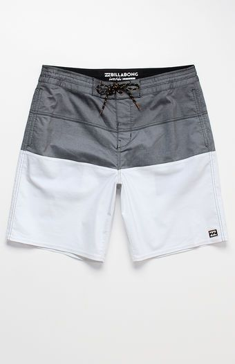 "Tribong Lo Tides Colorblock 19"" Boardshorts"
