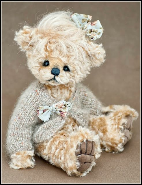 how can a teddy bear be so darn cute!!!                Three O'Clock Bears