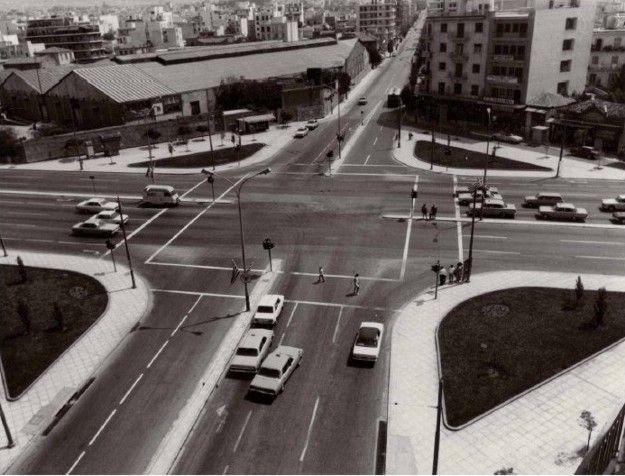 Η πλατεία Δαβάκη στην Καλλιθέα, Αθήνα, σε φωτογραφία της δεκαετίας του 1960.