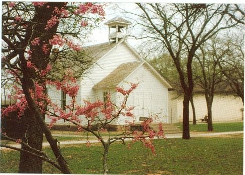 Visit the Cherokee Strip Museum & Rose Hill School in Noble County and look into the past at life in the Cherokee Outlet. The one-room school house (pictured) hosts living history programs for kids. Share your own #Oklahoma county photos and fun facts with us using the hash tag #77OK.