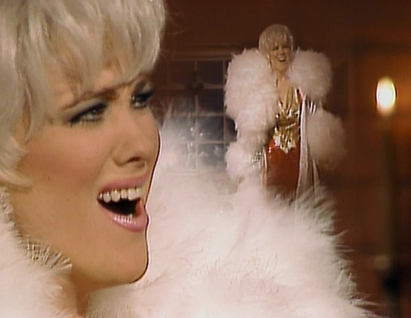 CATHERINE O'HARA as Lola Heatherton. I'm having a perfect fit of giggles.