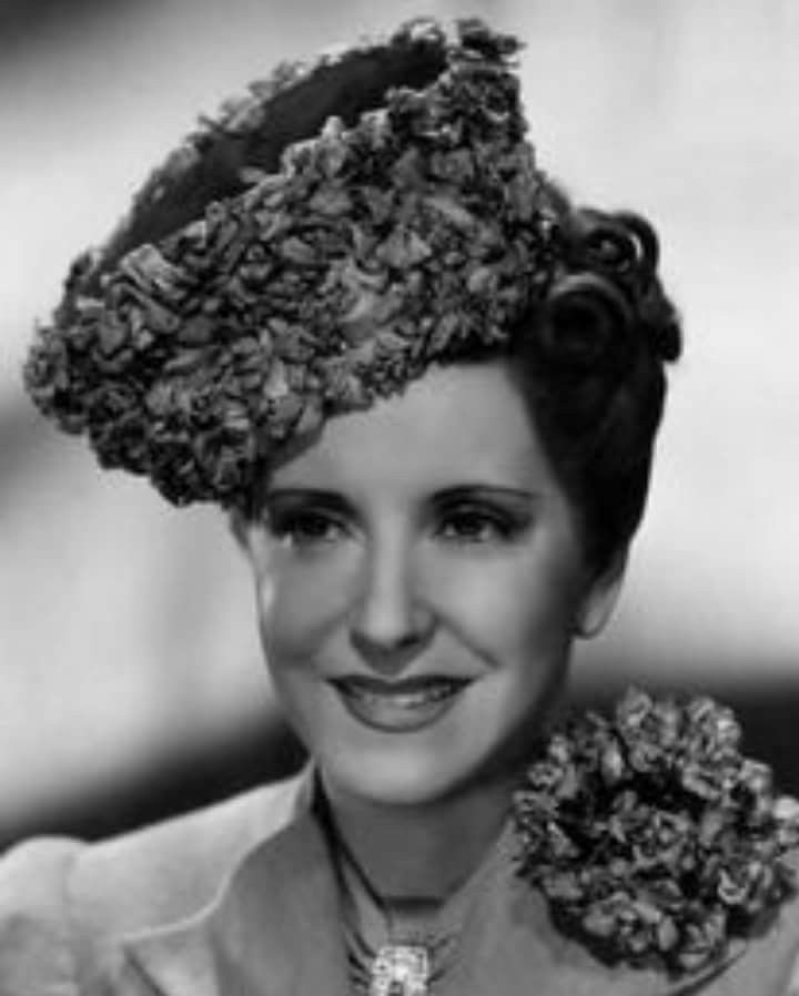 Gracie Allen born July 26, 1895 Died August 27, 1964 aged 69 RIP An American comedian who became internationally famous as the zany partner and comic foil of husband George Burns, her straight man. Allen's career successfully spanned vaudeville, film, radio and television.  Photo: For Honolulu (1939) https://en.m.wikipedia.org/wiki/Gracie_Allen