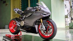 Setelah sekian lama menanti kit ini diproduksi, akhirnya saya bisa mulai merakit Ducati 1199 Panigale S pada Sekitar Bulan September 2014 l...