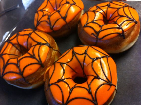 Easy Halloween Treats Doughnuts of Doom (15)