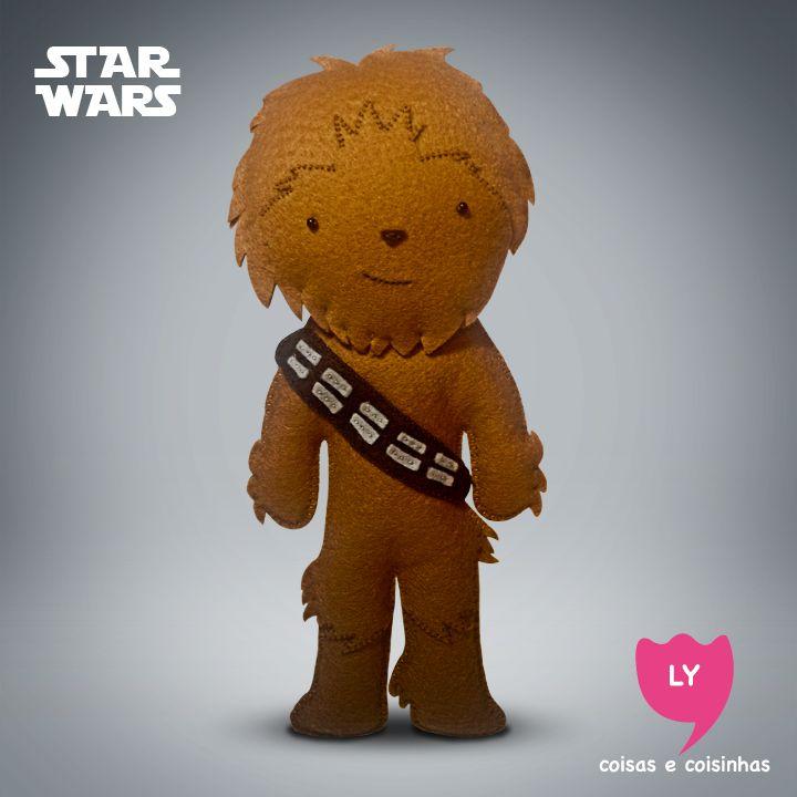 Chewbacca — apelido: Chewie — é o co-piloto da nave Millennium Falcon, liderada por Han Solo, e um alienígena da raça Wookiee, oriundo do planeta Kashyyyk. Chewie é um excelente mecânico, muito sábio e temperamental. #starwars #starwarsfan #starwarsday #chewbacca #movie #lycoisasecoisinhas contato: lycoisasecoisinhas@gmail.com