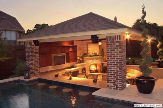 Outdoor room with swim up bar