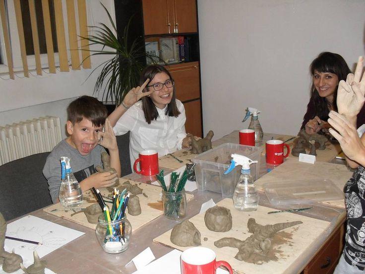 Participantii cursului de baza din noiembrie modelaj in lut -  figura umana - coordonat de sculptorita Bianca Mann.      Pentru detalii: 0736 913 866 office@mara-study.ro www.mara-study.ro