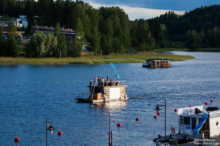 Sauna boat at Lake Jyväsjärvi. ©Visit Jyväskylä  Photo: Atacan Ergin.