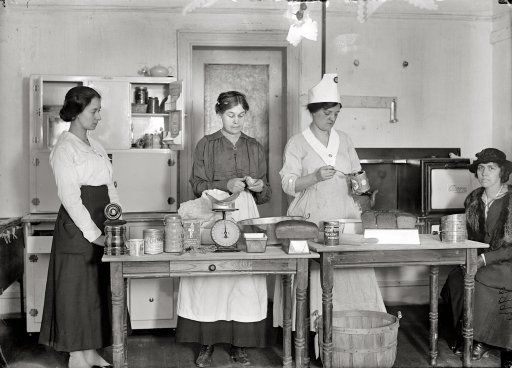 cabinet images kitchen 17 best images about wwi photos on american 1917