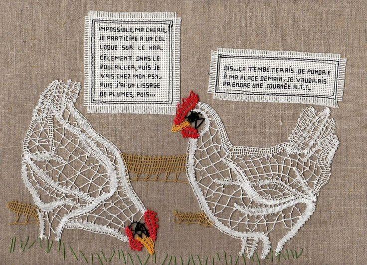 Danielle C.M., dentellière de l'ADMAT nous propose ses jolies poules et le coq ci-dessous.