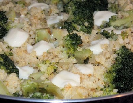 Kasza jaglana z brokułem i mozzarellą