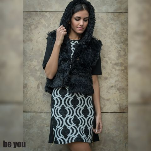 Cozy UP🎀 γιλέκο > https://goo.gl/xsGHHy φόρεμα > https://goo.gl/jbsctm  #dress #fauxfur #fur #vest #beyoucomgr