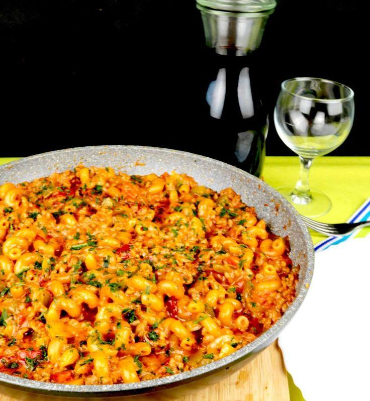 Tomaten Paprika Hack Pfanne mit Nudeln – Lisa Stachelbeere