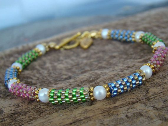 Handstitched Peyote Tube Bead Bracelet with Genuine Akoya Pearls             FREE Shipping USA